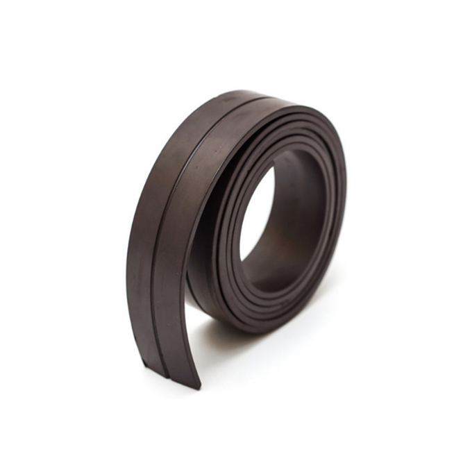 Rubber flexible magnetic strip