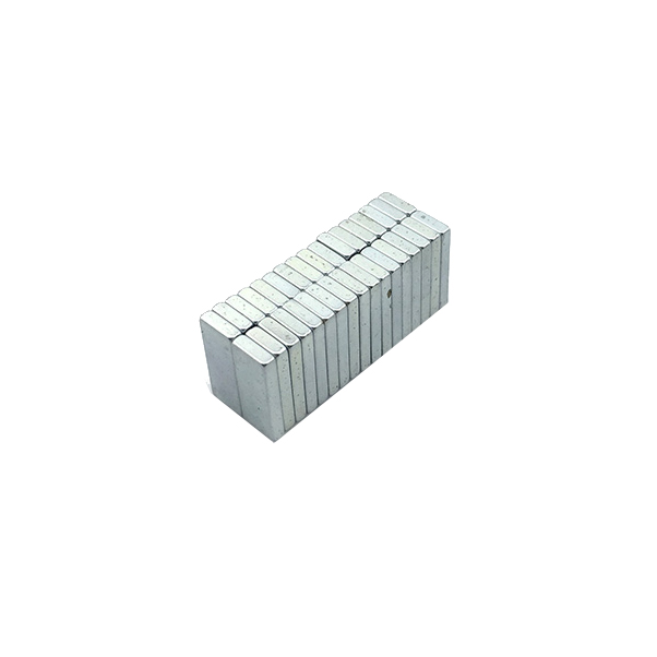 Small rectangular galvanized magnet 15 x 6 x 2 mm